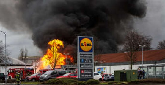 Warehouse is in flames - Lidl-store evacuated
