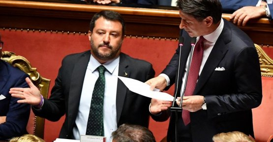 Exchange of blows Count-Salvini: to Clarify on the funds of russia. And the league: Problems about conflicts of interest?