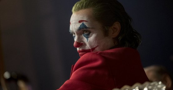 Joker, Warner replies to the accusations: The character and the film does not incite violence and real