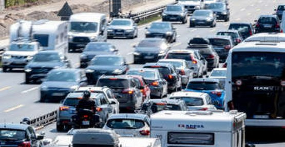 Shocking Video: police post 15 seconds motorway Horror