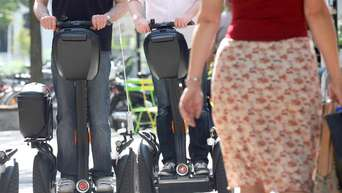 Pedestrians have priority over Segways and co.