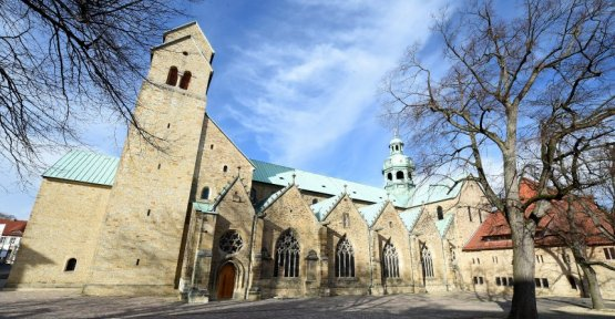 A new allegation against Hildesheimer old Bishop: The guy needs to get out of the Dom