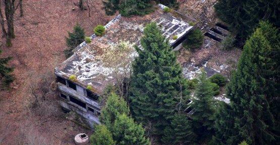 Adenauer Villa in the Eifel region, is to be auctioned on Ebay