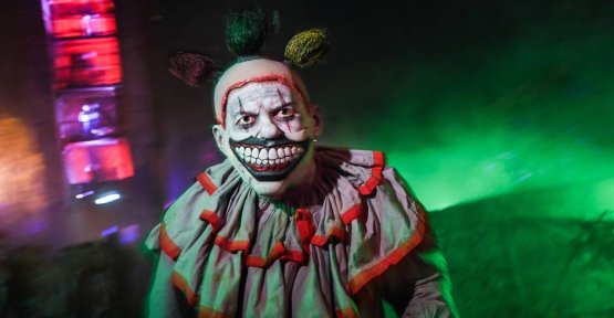 Halloween: father beat up Scary-Clown who wanted to scare children