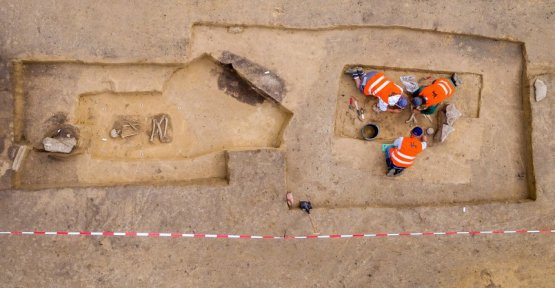 Remains of 24 people: from the stone age tomb on a construction site in Hanau, Germany, discovered
