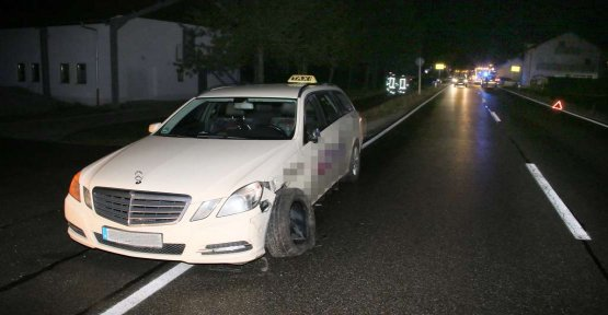 Taxi accident: cars collide - several children injured