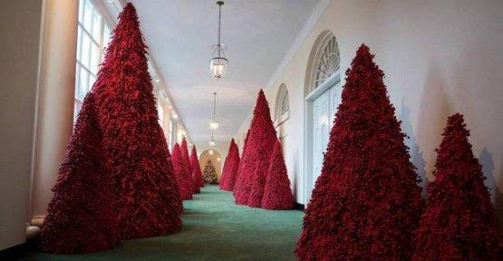 White House Twitter Reacts To Melanias Christmas Decoration