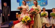 Bavarian beer Queen in 2019: Vroni convinces with expertise - Papa George Pride speechless