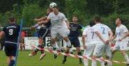 Relegation: Hubert Lindner's header but...
