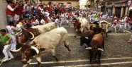 Three wounded in second bull run in Pamplona